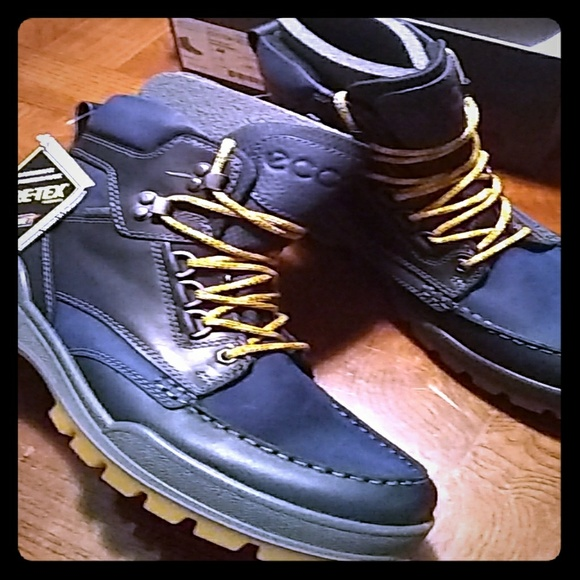Ecco Shoes   Mens Track 25 Boots Navy